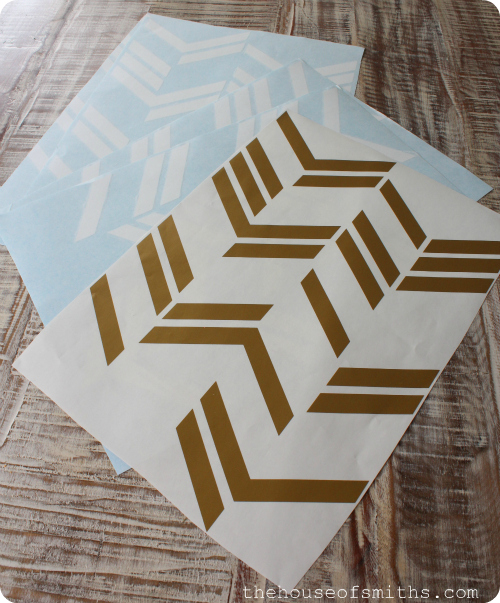Herringbone decal - thehouseofsmithsdesigns.com #vinyldecal #DIYart