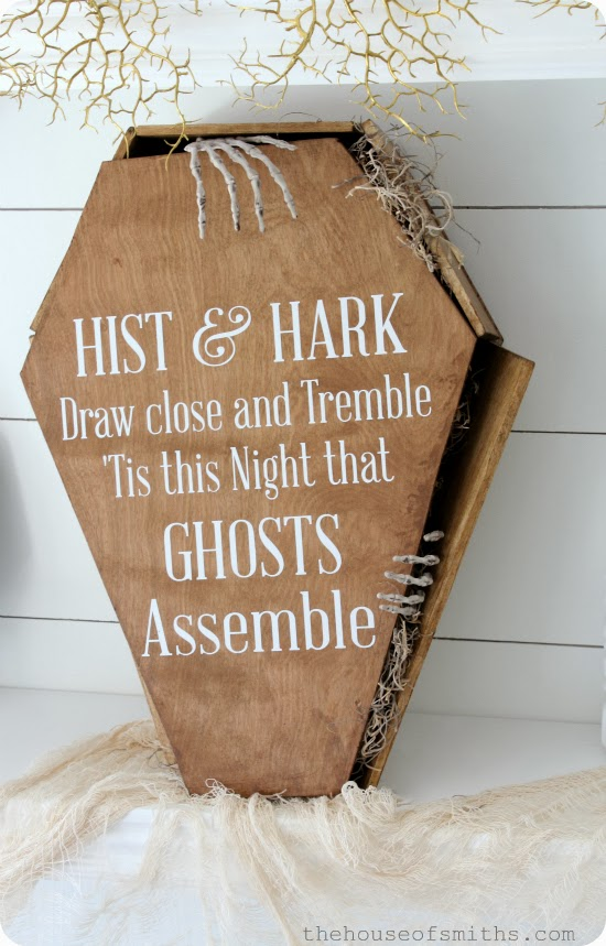 DIY creepy stained coffin tutorial - Halloween Vinyl - thehouseofsmiths.com