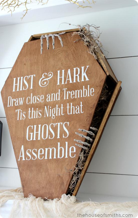 DIY toe pincher coffin - halloween decor - thehouseofsmiths.com
