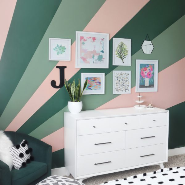 Teen Room Makeover - Sunburst Painted Wall DIY - House of Smiths